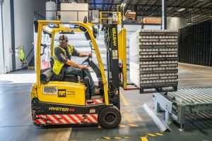 furniture shipping company-min